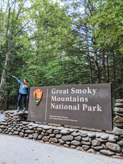 Guide for a Weekend Trip to Gatlinburg and the Great Smoky Mountains 🌄